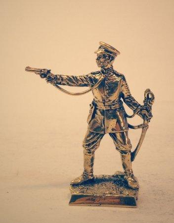 3.Капитан пешей артиллерии.