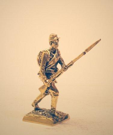 1.Рядовой пехотного полка в маршевом обмундировании.
