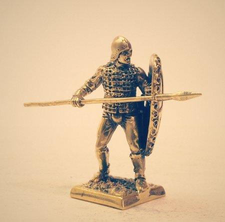 6.Легкий пехотинец со щитом и копьём.