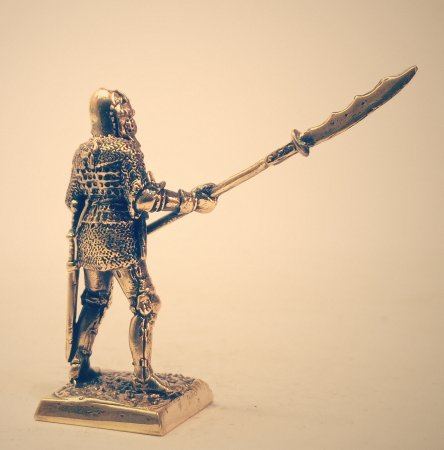 2.Тяжёлый пехотинец с глефой.