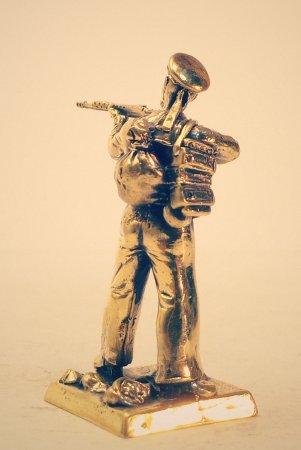 2.Краснофлотец с винтовкой СВТ.