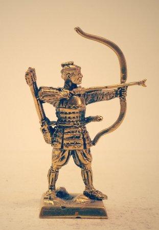 8.Самурай с луком в доспехе «тосэй-гусоку».