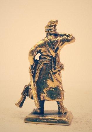 5.Стрелец заряжающий мушкет.